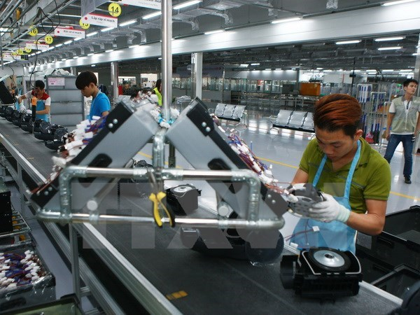Vietnam's economy grows 5.73 pct in first half hinh anh 1