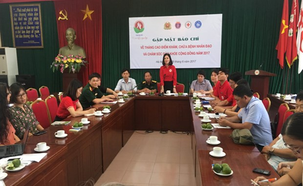Health care programme marks War Invalids and Martyrs' Day hinh anh 1