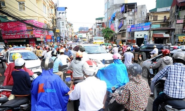 Hanoians support proposal to limit personal vehicles on roads hinh anh 1