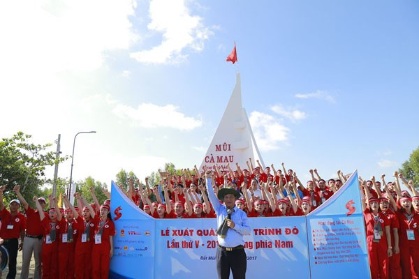Blood donation journey begins in Ca Mau hinh anh 1
