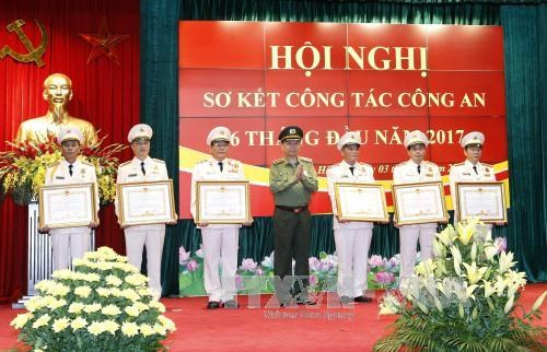 Public security ministry reviews first-half activities hinh anh 1