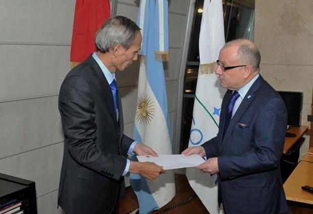 Argentine FM hails Vietnam development achievements hinh anh 1