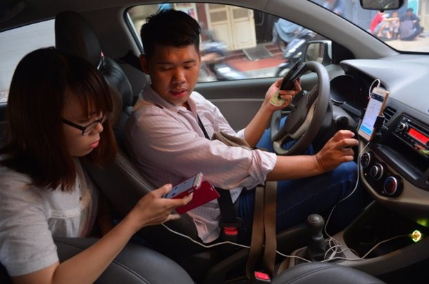 Transport ministry to halt carpooling services hinh anh 1