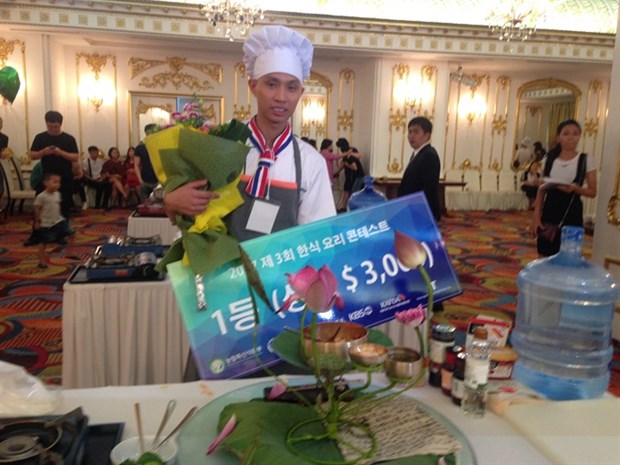 Korean cuisine contest winner receives prize of 3,000 USD hinh anh 1
