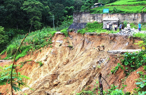 Rain-triggered floods, landslides kill six in Ha Giang hinh anh 1