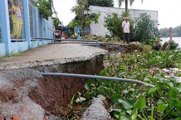 Mekong to relocate landslide-prone households hinh anh 1
