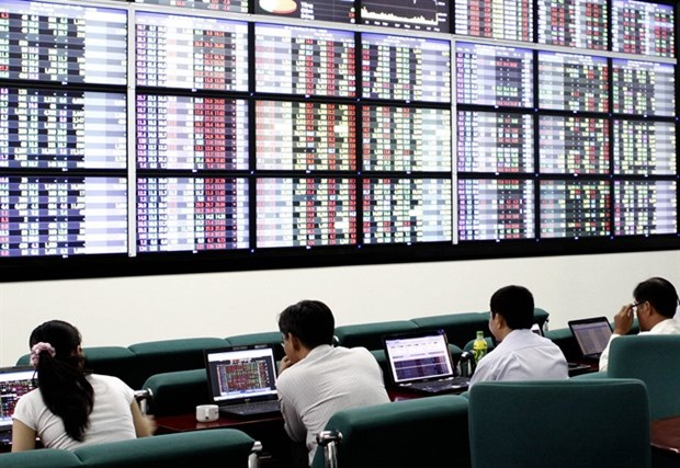 Positive Q2 reports to drive up VN stocks hinh anh 1