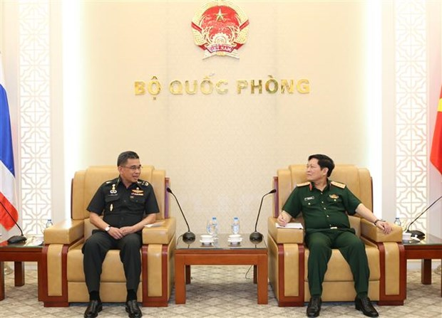 Defence Minister Ngo Xuan Lich meets Thai senior officer hinh anh 1