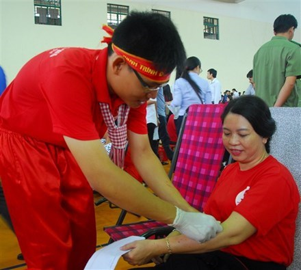 Thousand of people join blood donation festival in Can Tho hinh anh 1