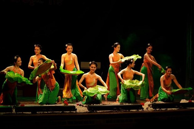 Vietnam perform at world folklore festival hinh anh 1