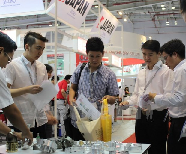MTA Vietnam 2017 draws 425 domestic, foreign firms hinh anh 1
