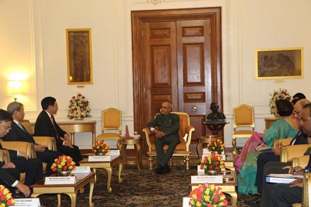Deputy PM Pham Binh Minh meets Indian President hinh anh 1
