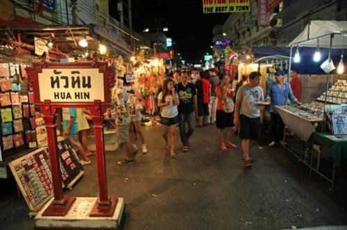 Thailand's central bank raises economic growth forecast hinh anh 1