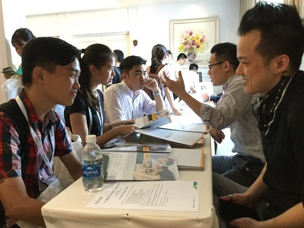 Fulbright provides free English training for 40 teenagers hinh anh 1