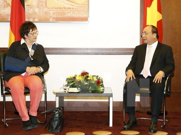 German federal economic minister supports stronger investment in Vietnam hinh anh 1
