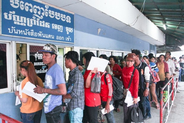 Fleeing workers force Thailand to reconsider new labour rules hinh anh 1