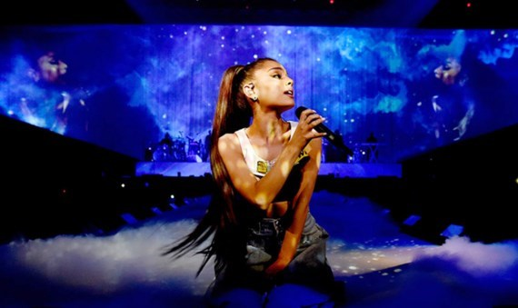Ariana Grande to play Vietnam show hinh anh 1