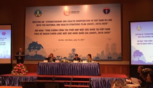 Coordination increased to combat animal-transmitted diseases hinh anh 1