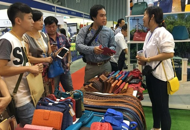 Shoes, leather exhibition opens in HCM City hinh anh 1