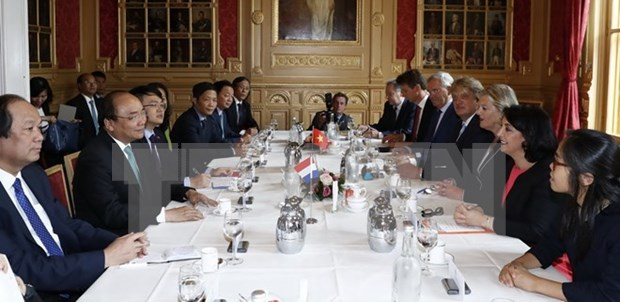 PM meets Dutch top legislators, concluding Netherlands visit hinh anh 1