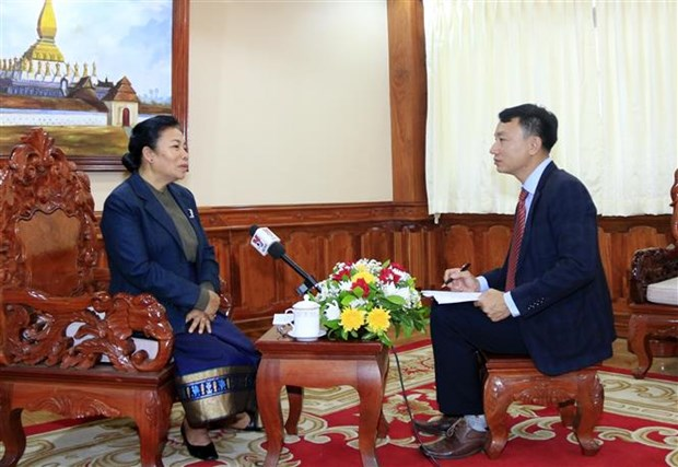 Vietnam-Laos relations grow intensively: Lao official hinh anh 1