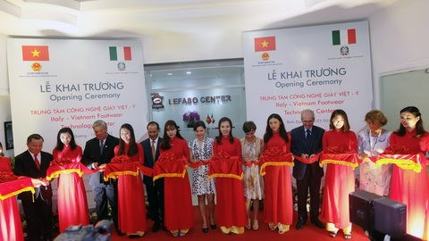 Italy-Vietnam launch footwear tech centre hinh anh 1
