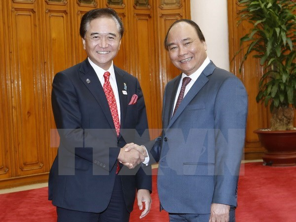 Prime Minister greets Governor of Japan's Kanagawa prefecture hinh anh 1