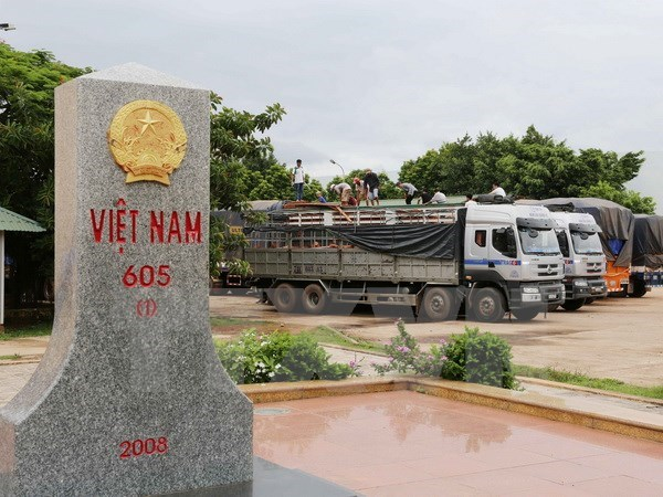 Vietnamese, Lao localities foster cooperation in border management hinh anh 1