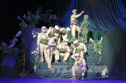 Play on Vietnam-Laos ties premieres in Vientiane hinh anh 1