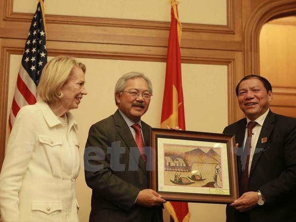 More Vietnamese localities promote themselves in US hinh anh 1