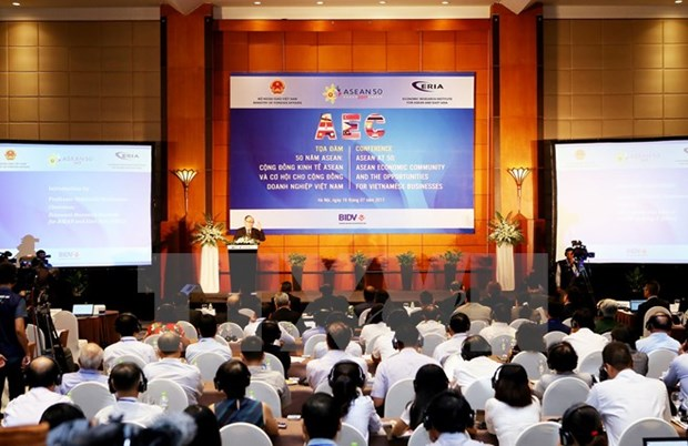Conference talks AEC opportunities for Vietnamese businesses hinh anh 1