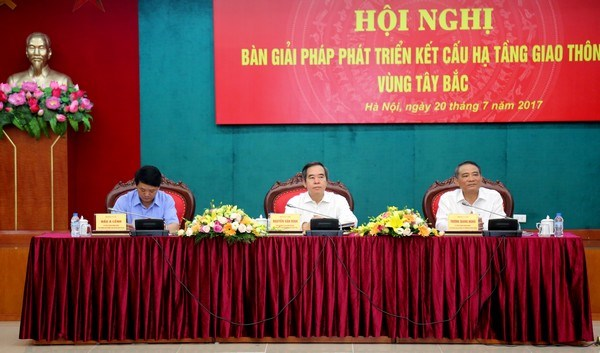 Conference seeks to develop transport infrastructure in northwest hinh anh 1