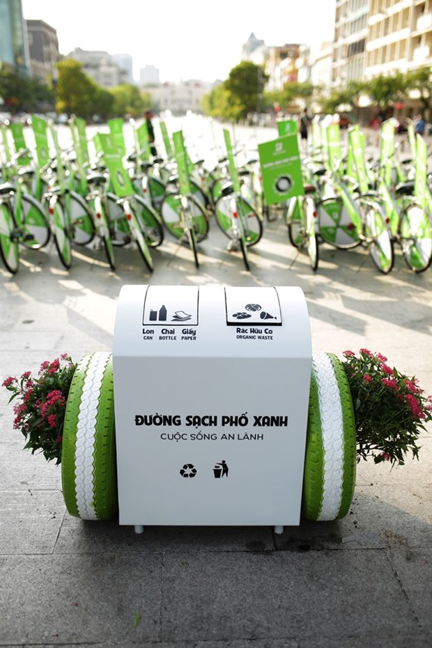 Sponsor brings smart bins to Da Nang hinh anh 1