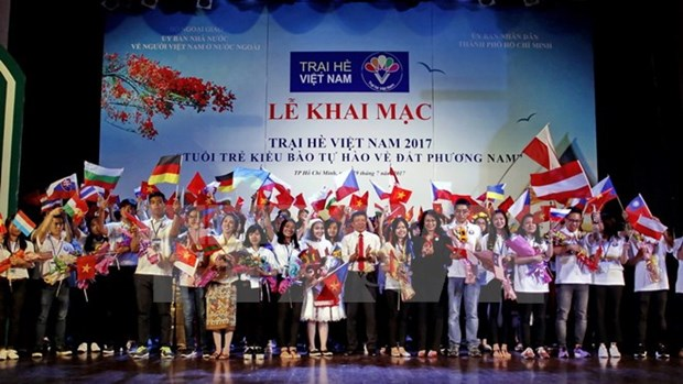 Vietnamese young expats join summer camp in Mekong Delta hinh anh 1