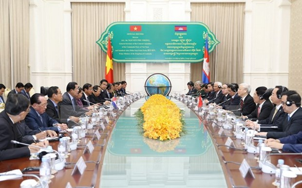 Party chief's visit charts new course for VN-Cambodia ties hinh anh 1