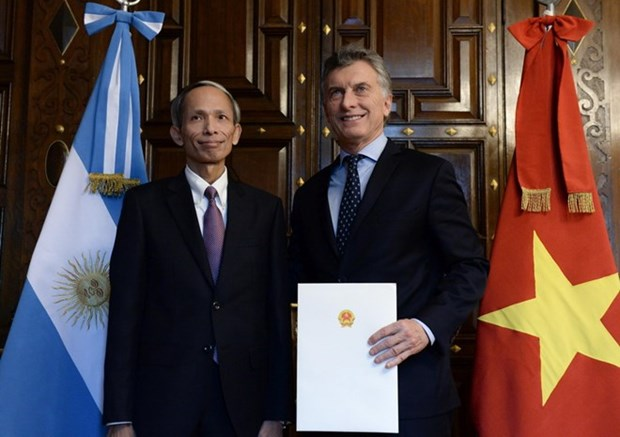 Argentinean President praises Vietnam economic achievement hinh anh 1