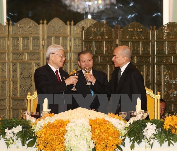 Vietnam, Cambodia treasure close-knit relations hinh anh 1