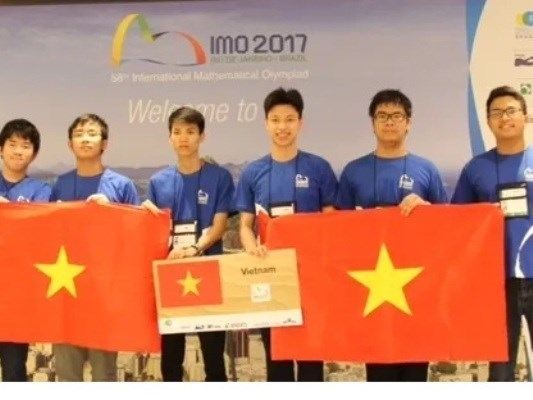 Vietnam reaps highest performance at Int'l Math Olympiad hinh anh 1