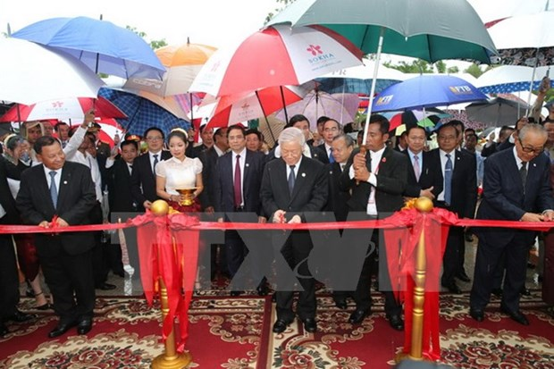 Party leader continues activities as part of state visit to Cambodia hinh anh 1