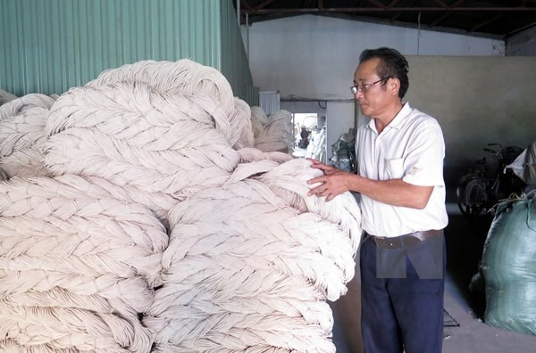 DOC stops anti-dumping investigation against VN polyester fibre hinh anh 1