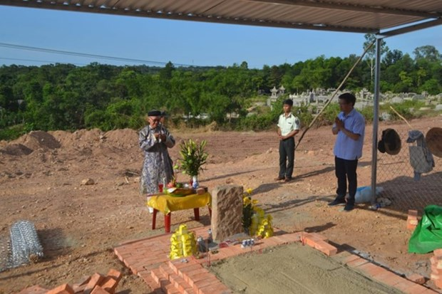 Conflict continues over the razed king wife's tomb hinh anh 1