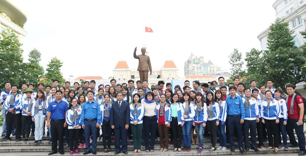 HCM City youths join voluntary activities in Laos hinh anh 1