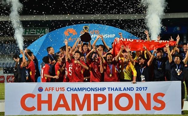 Vietnam brings home AFF U15 championship trophy hinh anh 1