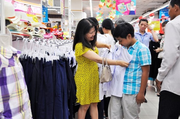 Back to school shopping kicks off hinh anh 1