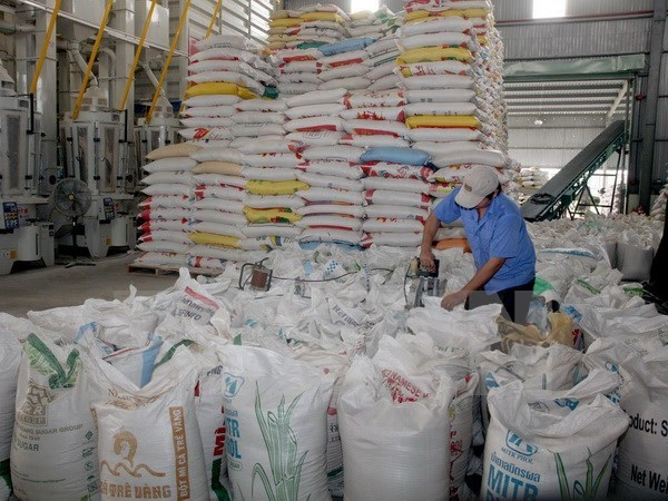 Vietnam firms win bids to sell rice to Philippines hinh anh 1