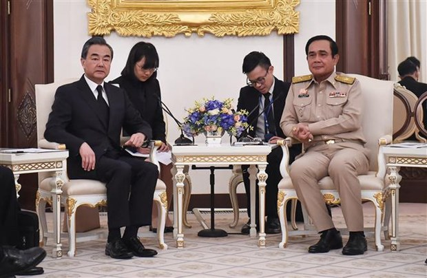 Thailand, China pledge to strengthen ties hinh anh 1