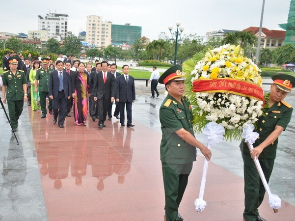 Vietnam's fallen soldiers commemorated in Cambodia hinh anh 1