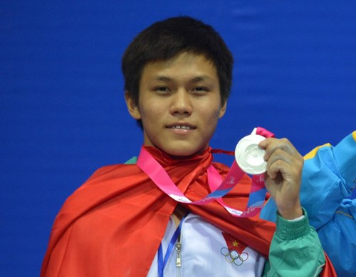 Vietnam win one more gold in weightlifting champs hinh anh 1
