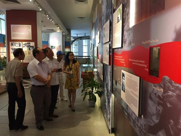 Soldiers' tales told at exhibition in Hanoi hinh anh 1