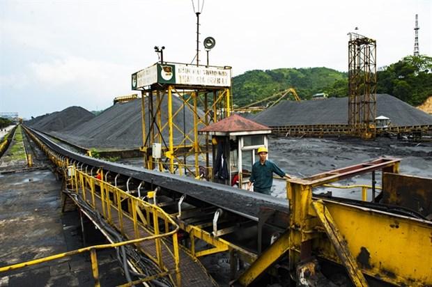 Major energy firms woo investors hinh anh 1